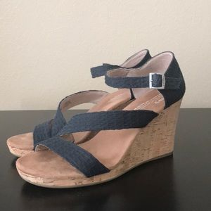 Toms Clarissa Black Wedges Sandals